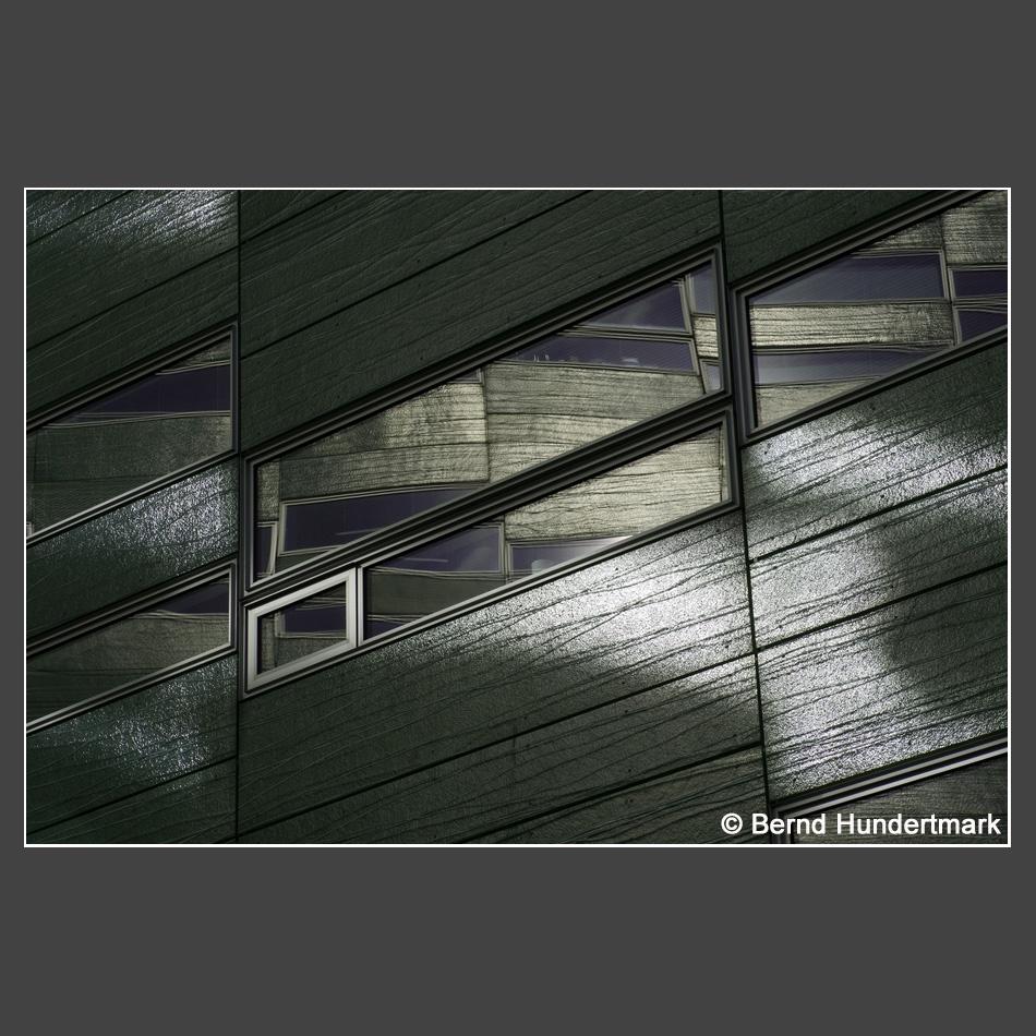 Platz 1    Hundertmark, Bernd -  Fenster in Fenster
